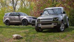 Land Rover, la crisi dei semiconduttori blocca la produzione di Defender