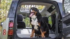 Crisi dei semiconduttori per Land Rover: stop alla produzione di Defender