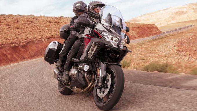 Crisi semiconduttori Kawasaki: la Versys 1000 su strada