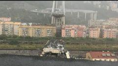 Crolla il Ponte Morandi, viabilità locale e nazionale in tilt