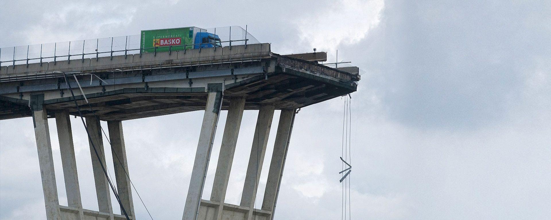 Crollo Ponte Morandi, l'immagine simbolo