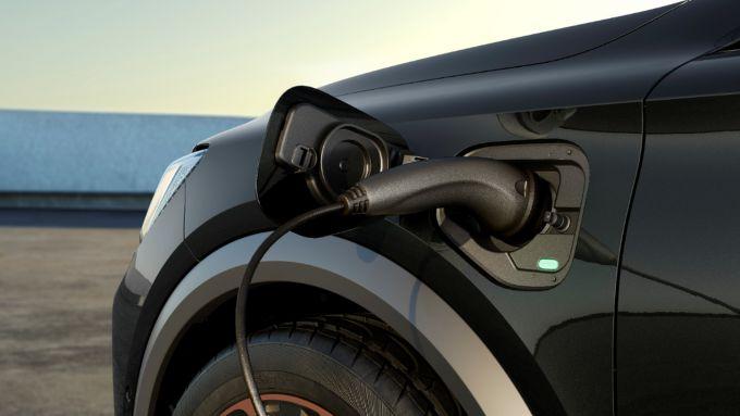 Cupra Formentor VZ e-Hybrid: la batteria promette un'autonomia di 55 km in elettrico