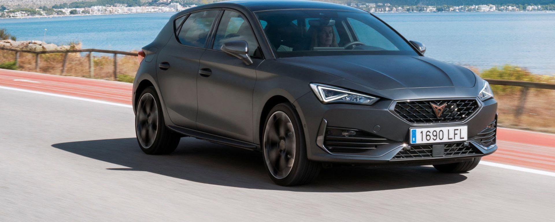 Nuova Cupra Leon: berlina o wagon, la sportiva è ibrida plug-in