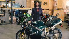 Cyberpunk 2077: Keanu Reeves con la Ducati 998 di Matrix Reloaded