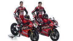 Da sinistra: Chaz Davies e Scott Redding con la Ducati Panigale V4 R SBK 2020