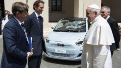 Video: Stellantis da Papa Francesco, un messaggio a Draghi?
