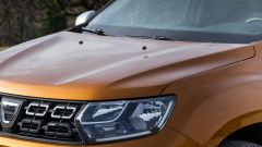 Dacia Duster 2018: il cofano ha due nette nervature