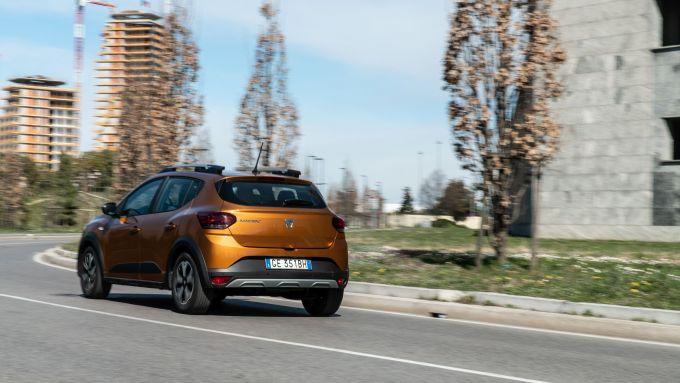 Dacia Sandero Comfort GPL: la dinamica di guida non è delle più pulite