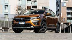 Dacia Sandero Comfort GPL: visuale di 3/4 anteriore