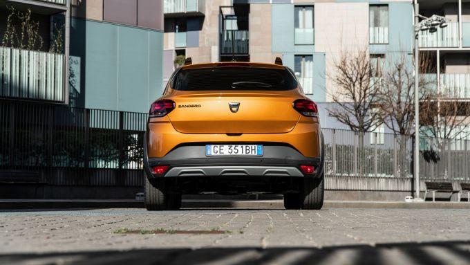 Dacia Sandero Comfort GPL: visuale posteriore