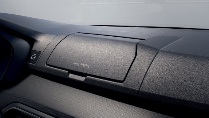 Dacia Sandero, il vano Media Control per il telefono
