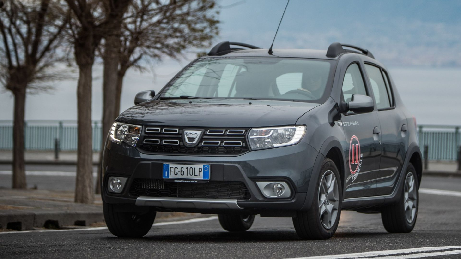 prova video dacia sandero stepway 2017 prova dotazioni prezzi video motorbox. Black Bedroom Furniture Sets. Home Design Ideas