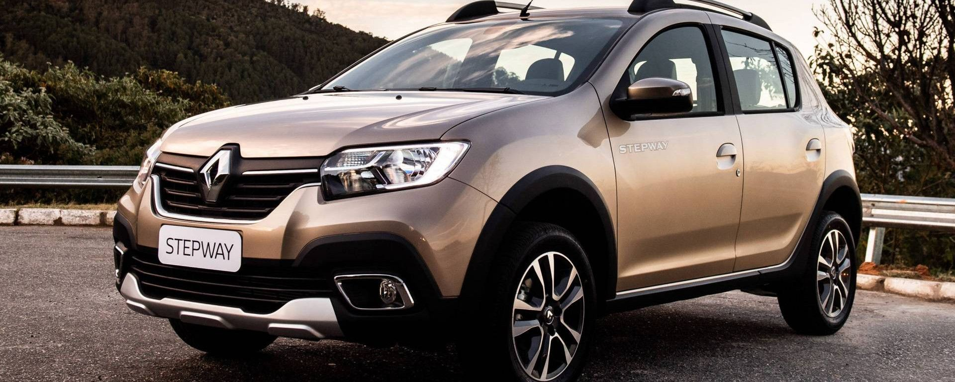 Dacia Stepway 2020: nuovo frontale con luci a led