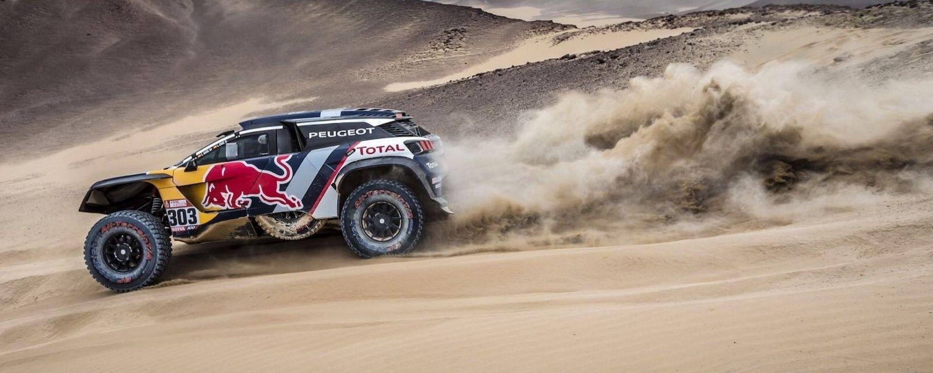 Dakar 2018: la Peugeot 3008 DKR sulle dune della Tappa 2