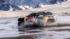 Dakar 2018, Tappa 11: arrivo in parata per le Peugeot 3008 - Immagine: 2