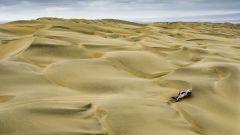 Dakar, una Toyota Hilux nel deserto [Foto: ASO]