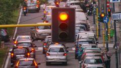 Dal 2040 stop alla vendita di auto diesel e benzina in Italia
