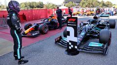 Dalla Ferrari a Verstappen: Hamilton non è preoccupato