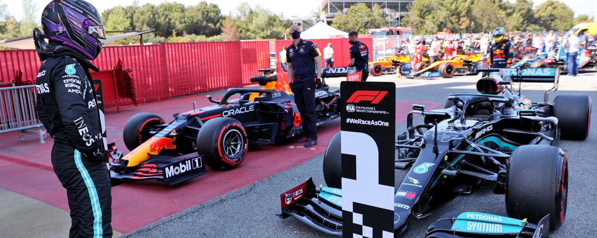 """Verstappen non spaventa Hamilton: """"Vi ricordate la Ferrari?"""""""