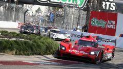 Long Beach, Gara: Derani/Nasr agganciano la vetta, primo centro Lamborghini in GT3
