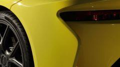 Dallara Stradale: lo spigolo in coda agevola il distacco del flusso d'aria