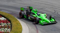 Danica Patrick impegnata con la sua Indycar
