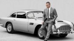 Daniel Craig nei panni di James Bond con la Aston Martin DB5