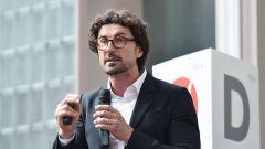 Danilo Toninelli: il Ministro dei Trasporti del Movimento 5 Stelle