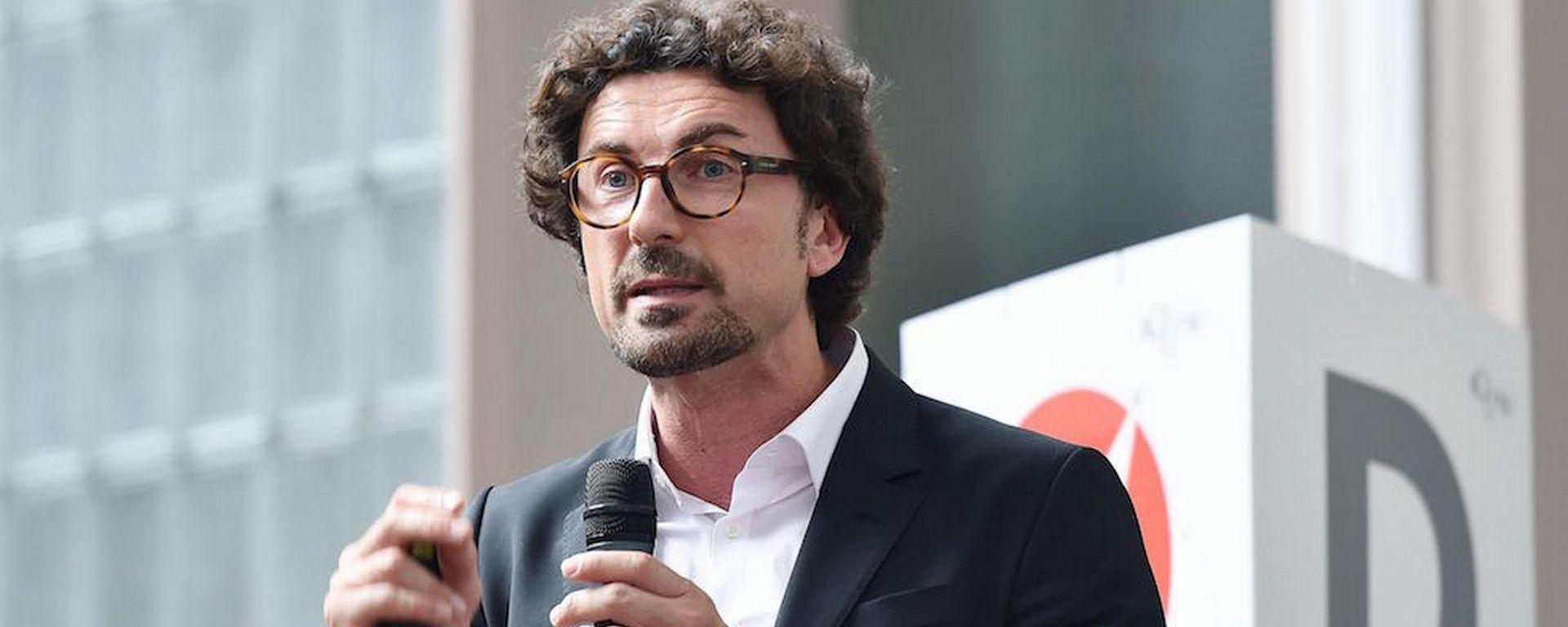 Danilo Toninelli è il Ministro delle Infrastrutture e dei Trasporti del Governo Conte