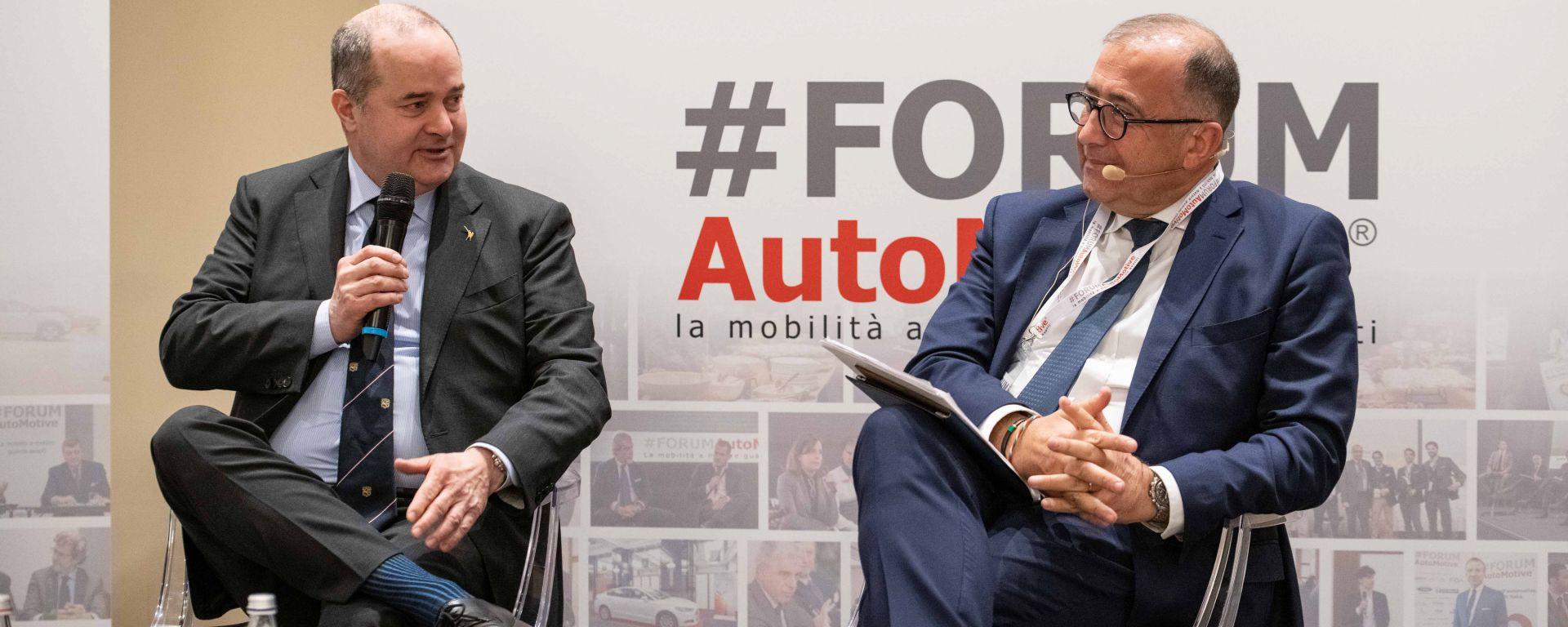Dario Galli, viceministro dello Sviluppo Economico, e Pierluigi Bonora, promotore Forum Automotive