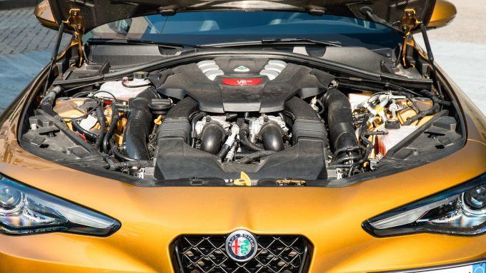Day by Day Alfa Romeo Giulia Quadrifoglio: il gioiello tecnologico V6 biturbo da 510 CV