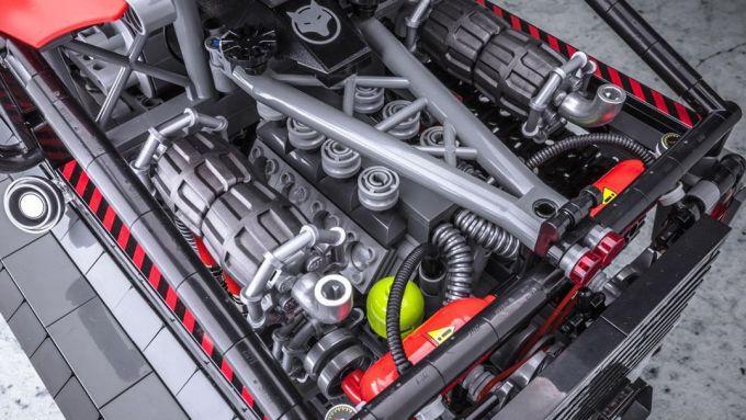 Defender Halftrack: il motore