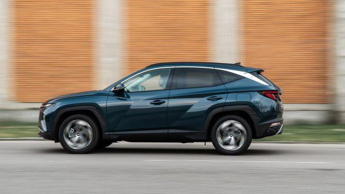Diesel contro tutti: la Hyundai Tucson Hybrid ha una potenza complessiva di 230 CV