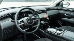 Diesel contro tutti: l'abitacolo della Hyundai Tucson Hybrid