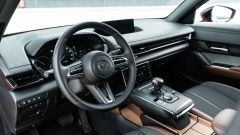 Diesel contro tutti: l'abitacolo della Mazda MX-30