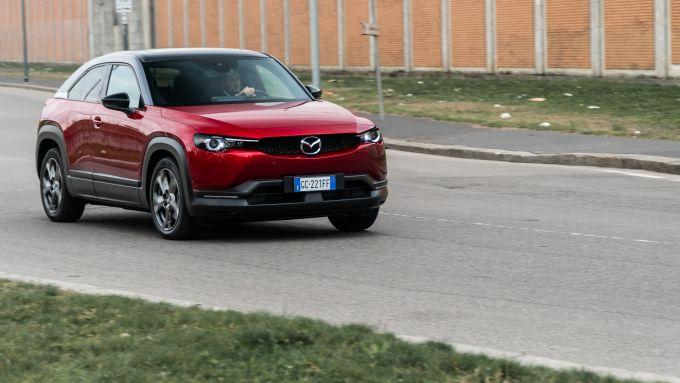 Diesel contro tutti: l'elettrica Mazda MX-30 ha un'autonomia rilevata di 151 km