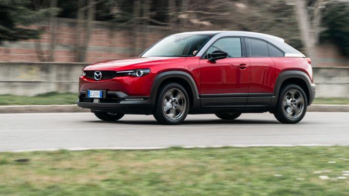 Diesel contro tutti: motore elettrico da 145 CV per la Mazda MX-30