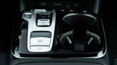 Diesel contro tutti: sul tunnel centrale i pulsanti del cambio automatico di Hyundai Tucson Hybrid