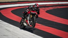 Difficile tenere l'anteriore a terra con la Ducati Streetfighter V4 S