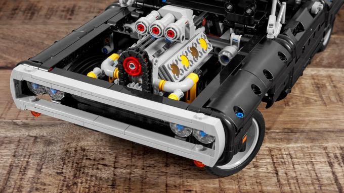Dom's Dodge Charger: il V8 anteriore