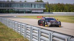 Dovizioso al volante dell'Audi RS5 durante il test nella pista di Neuburg