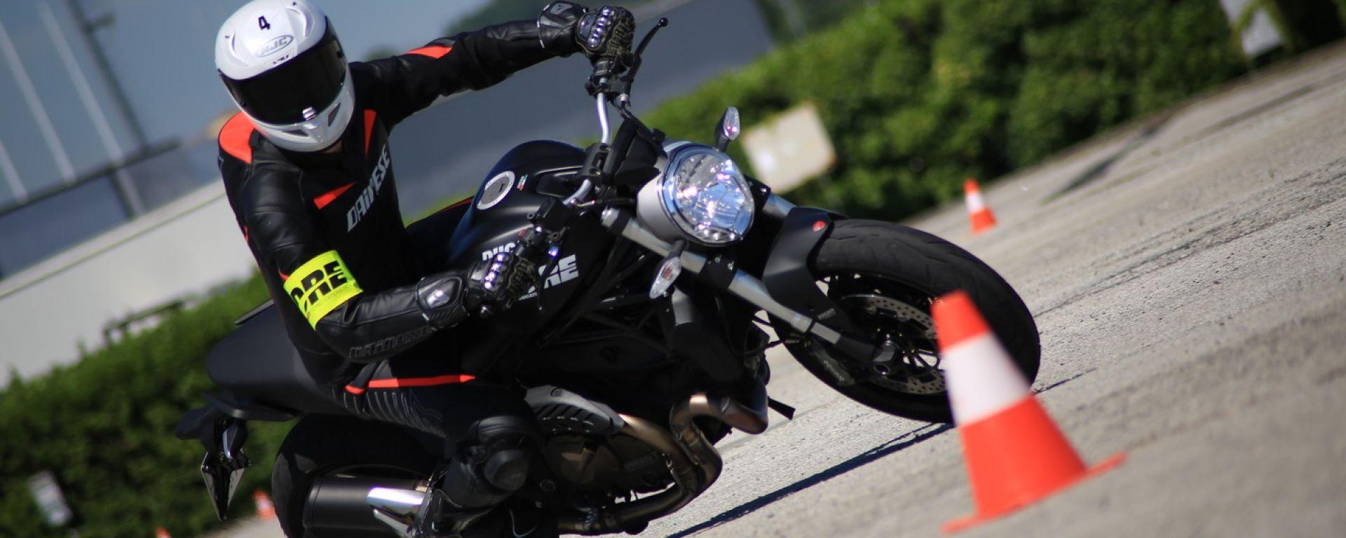 DRE Ducati Riding Experience: una giornata di corso Precision