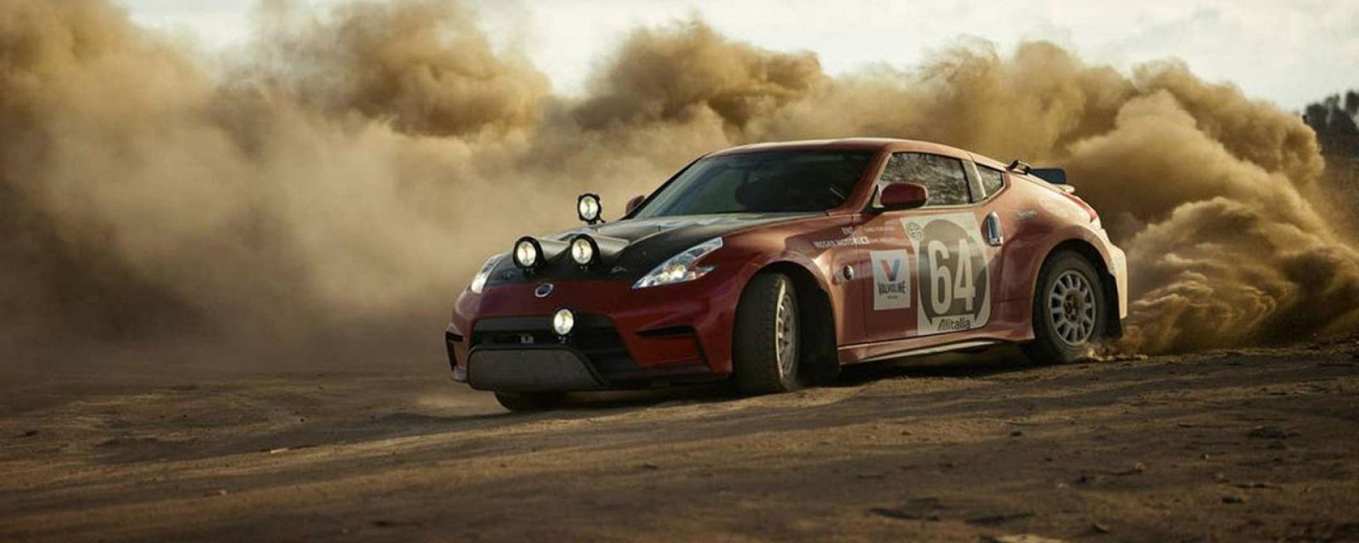 Drifting selvaggio sullo sterrato con la Nissan 370Z Rally