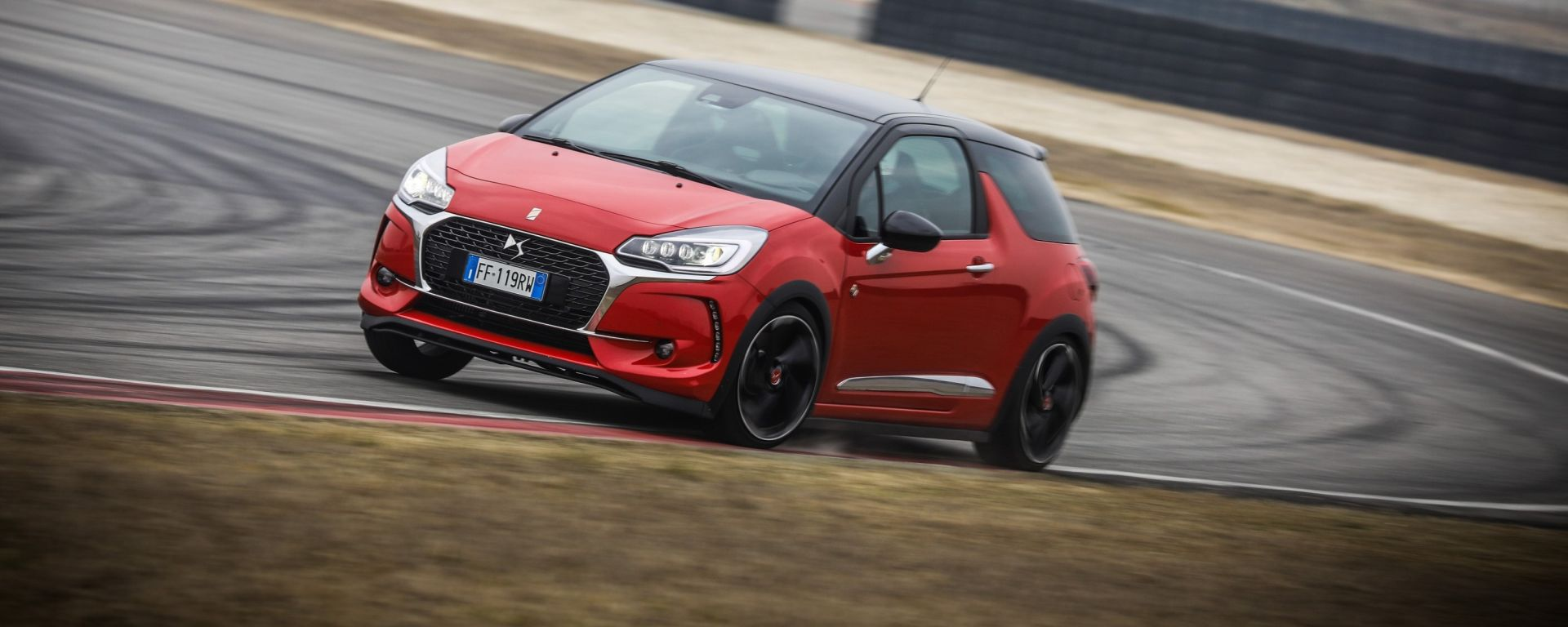 DS 3 Performance: la piccola peste francese in pista