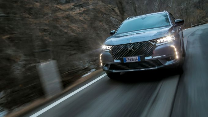 DS7 Crossback: il frontale