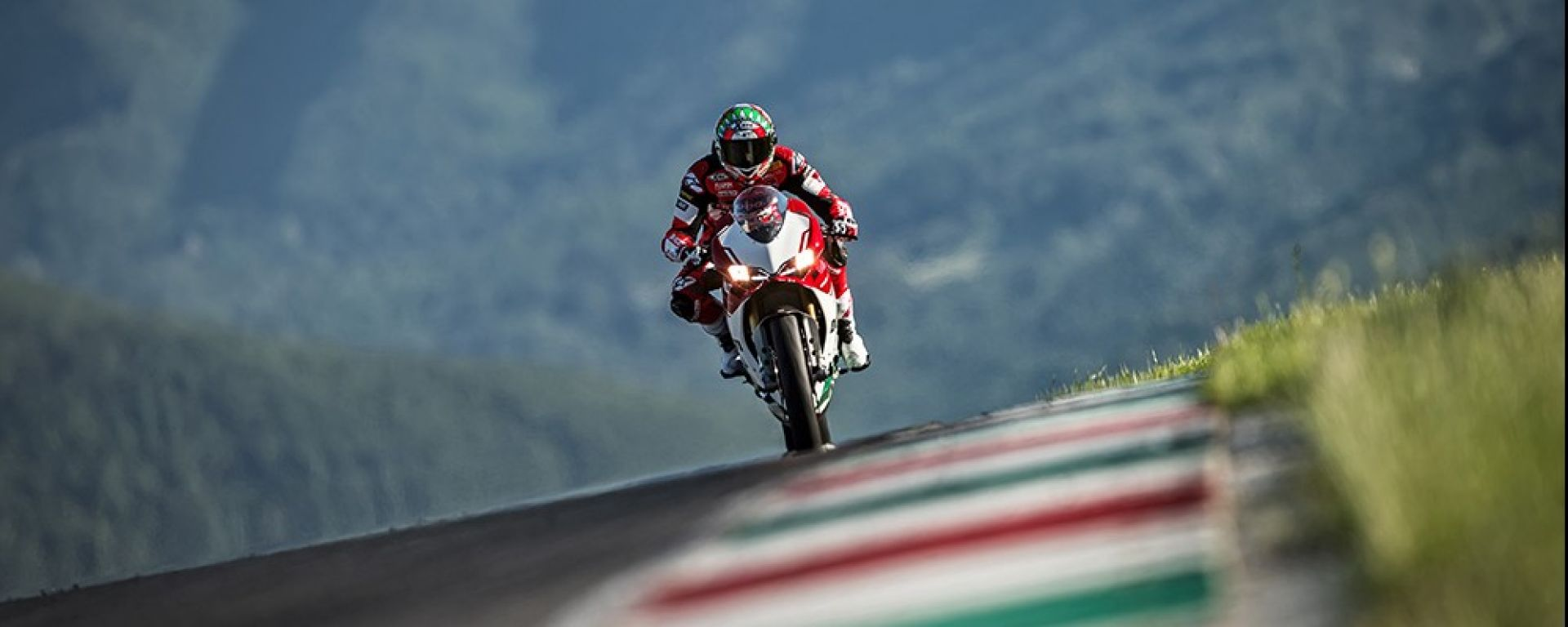 Ducati 1299 Panigale R Final Edition: le ultime nei Ducati Store