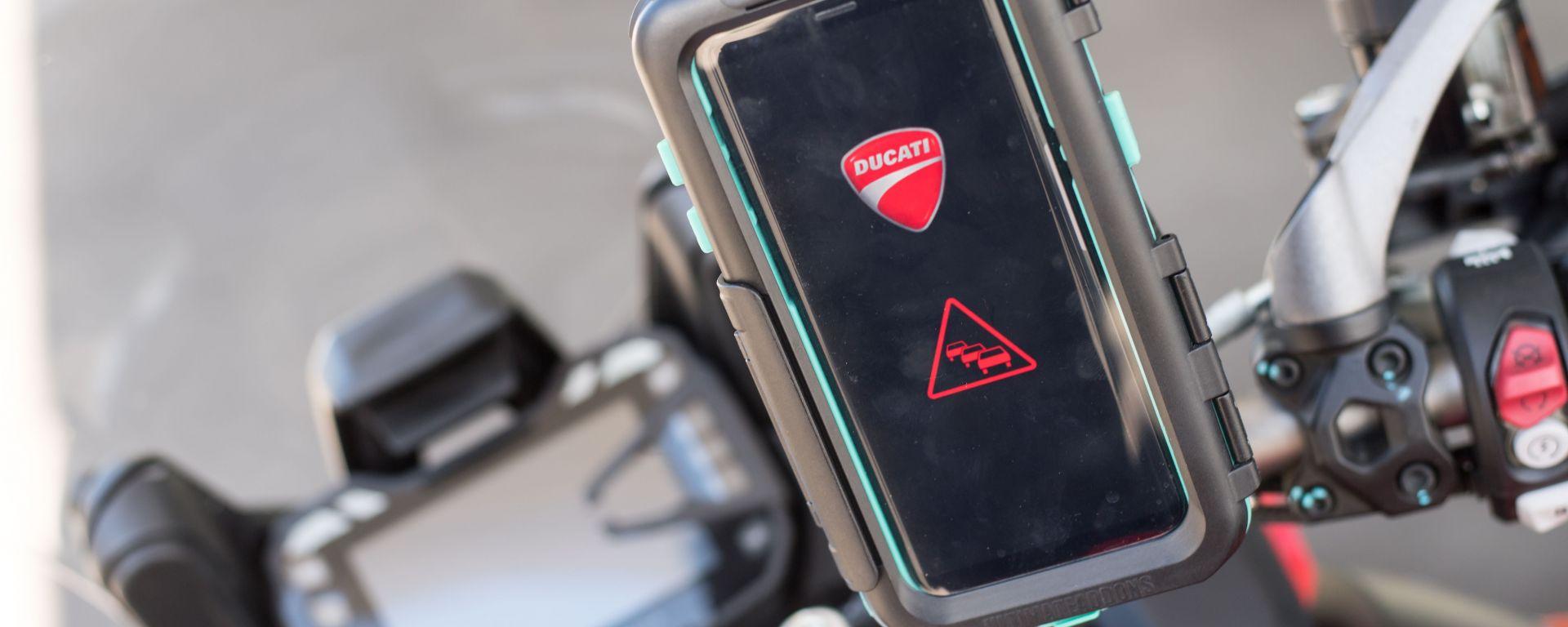 CES 2019: la Ducati Multistrada 1260 comunica con le auto