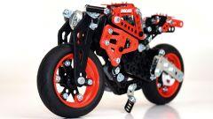 Ducati: da adesso te le costruisci in Meccano - Immagine: 3