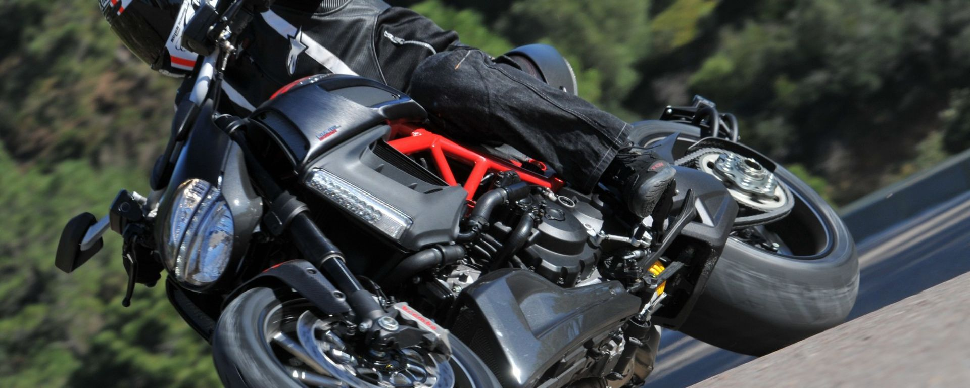Ducati Diavel a quota 5.000