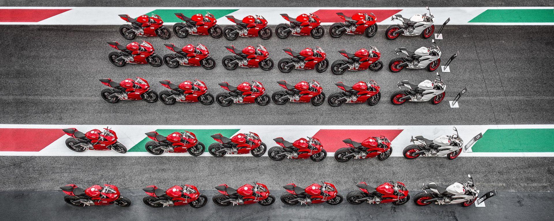 Ducati DRE: nel 2016 tornano i corsi di guida (in pista e offroad)